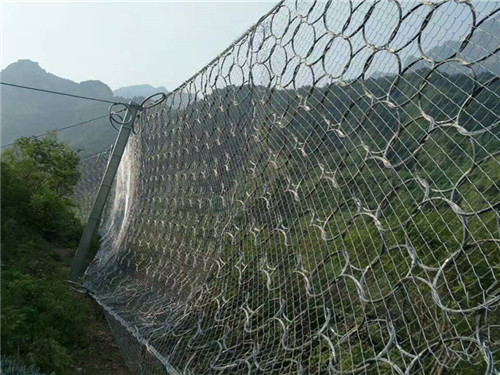 吴川拦石网安装特性