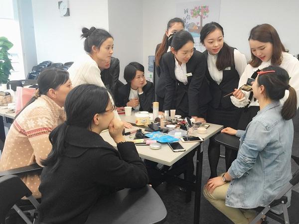 http://www.umeiwen.com/shishangquan/1710549.html